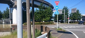 DSC_0044公民館前左折ポイント.jpg