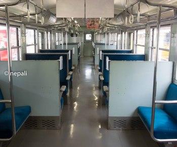 DSC_2395しなの鉄道 車内 ロゴ入り.jpg