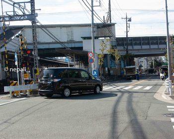 DSC_2963京急沿いの道.jpg