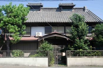 GNM_1430上豊岡上州櫓造りの商家ロゴ入り.jpg